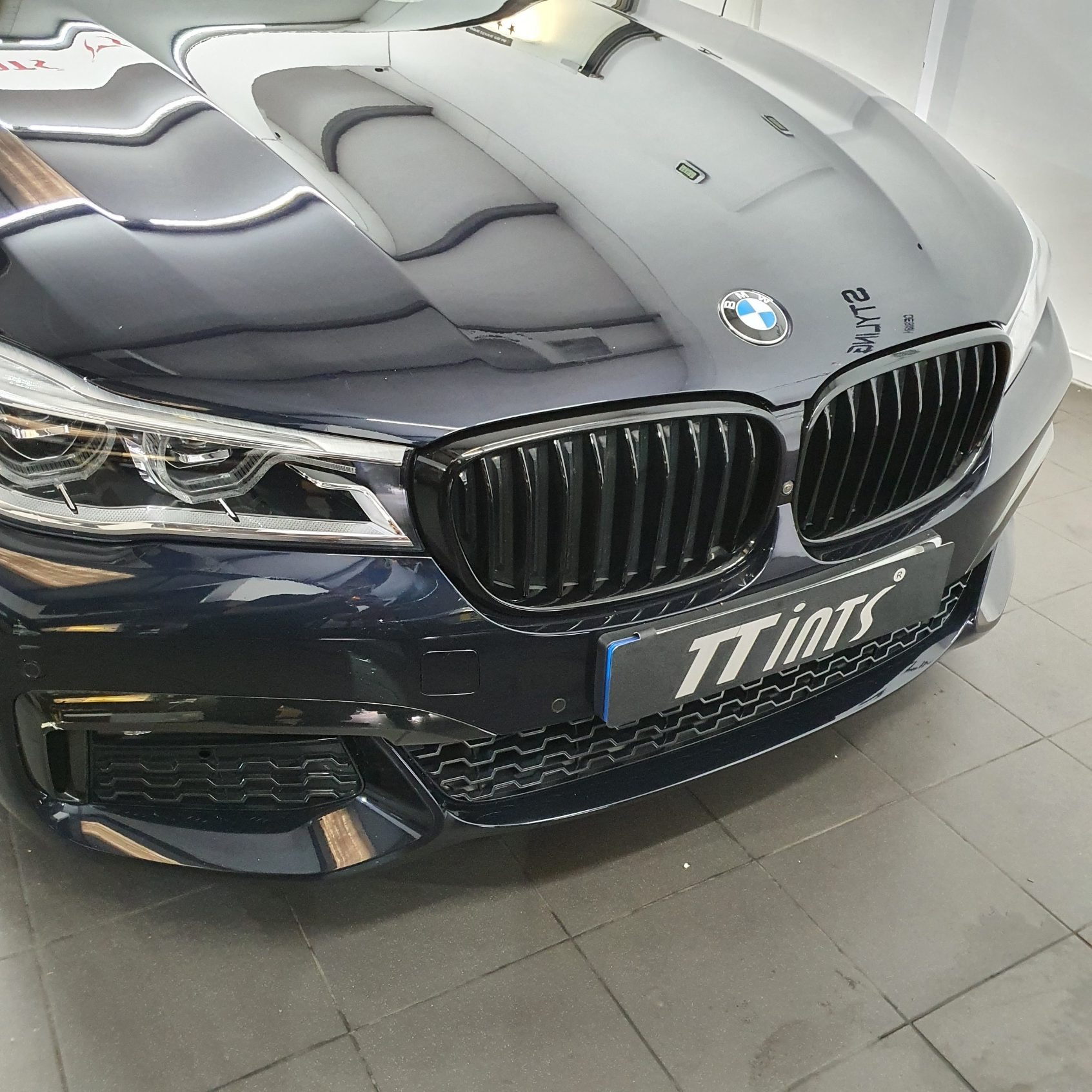 BMW Grill Wrap - after